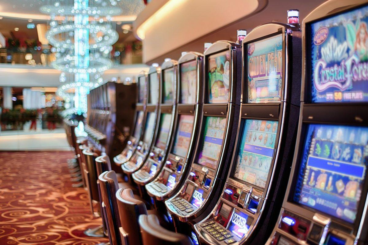 slots at hotel lobby